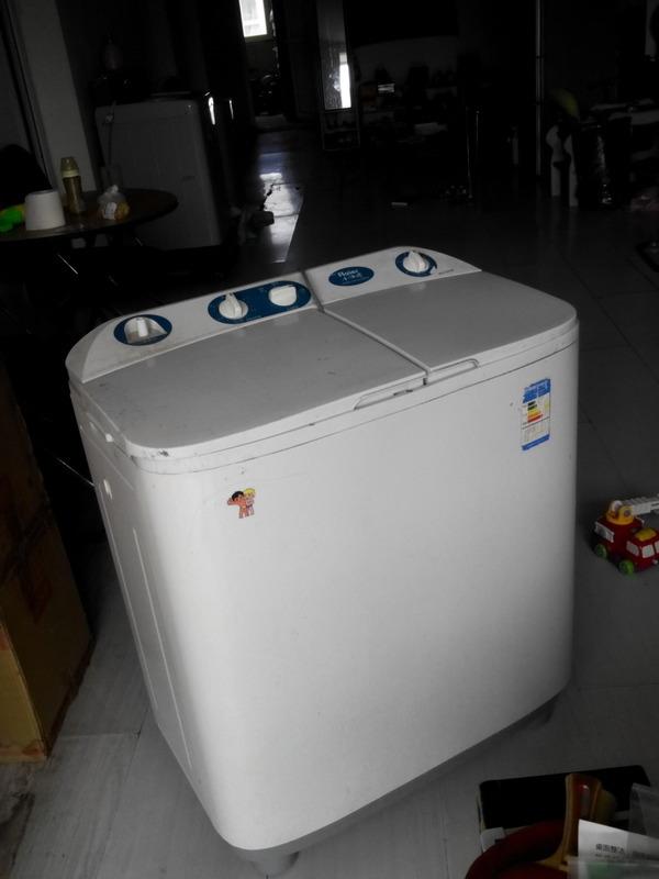 海尔小神螺双筒洗衣机